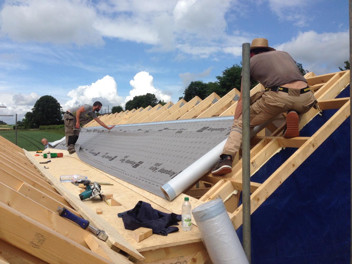 Fixing roofing felt
